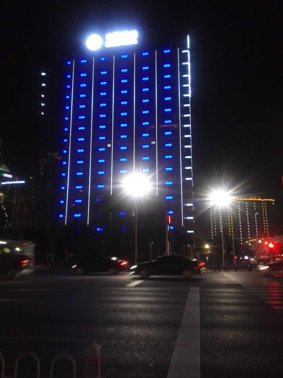 来自樊峰材发布的招聘信息:夜景亮化照明效果设计师... - 广西光艺源照明设计工程有限公司