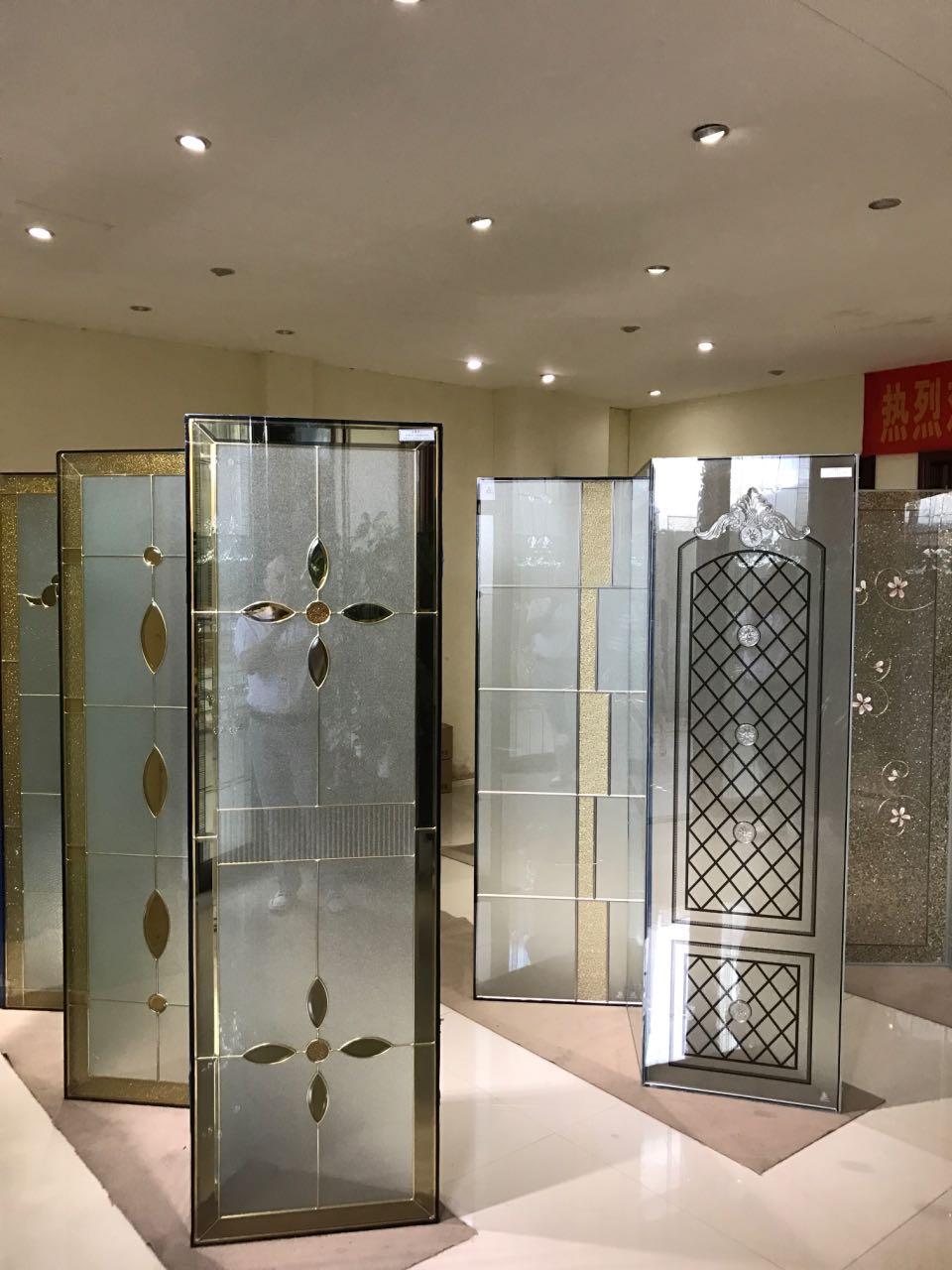 来自刘仿联发布的供应信息:佛山《晶皇艺术玻璃》专业生产推拉门 ... - 佛山《金晶皇玻璃》