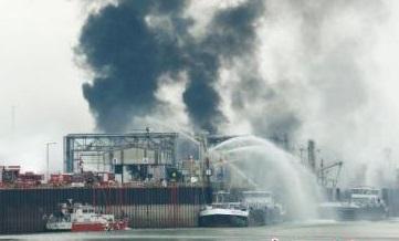 [界面新闻]德国巴斯夫化学工厂发生爆炸 造成数人受伤失踪