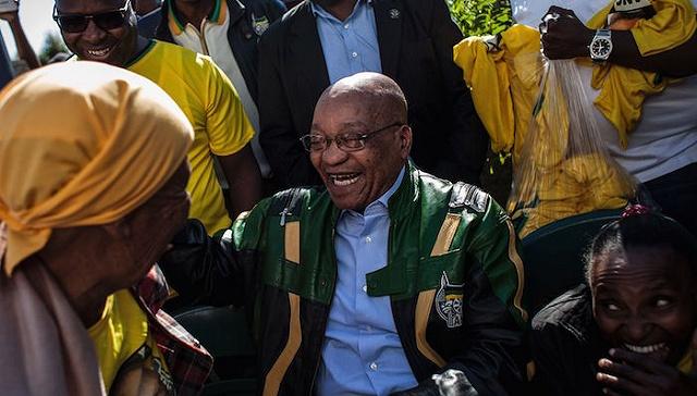 """[界面新闻]南非总统意外遭遇""""逼宫"""" 深陷执政以来最大危机"""